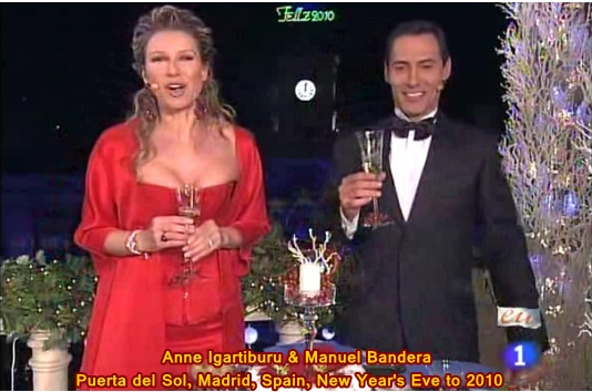 Anne-Igartiburu-Manuel-Bandera-Puerta-del-Sol-2010-New-Years-Eve.jpg