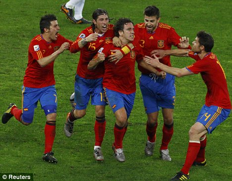 Spain-Carles-Pujol-goal-against-Germany-World-Cup-2010.jpg