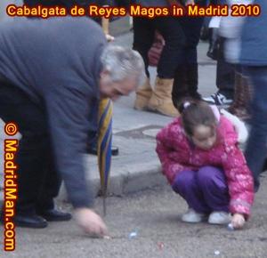 caramelos-cabalgata-de-reyes-magos-madrid-2010.jpg