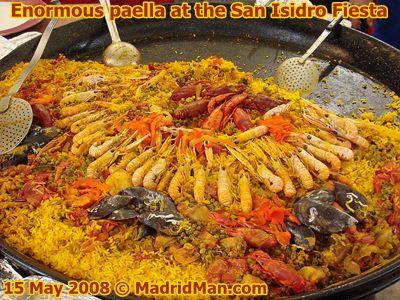enormous-paella-san-isidro.jpg