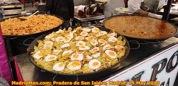 fried-eggs-on-fried-potatoes-San-Isidro-Madrid-2010.jpg