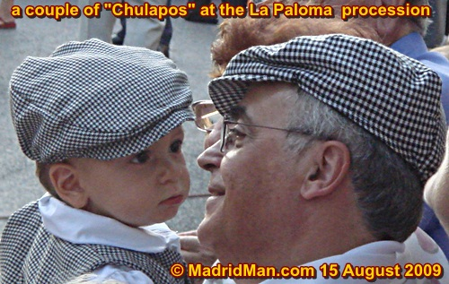 la-paloma-procession-2chulapos-madrid-2009.jpg