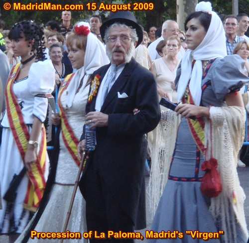 la-paloma-procession-chulapas-madrid-2009.jpg