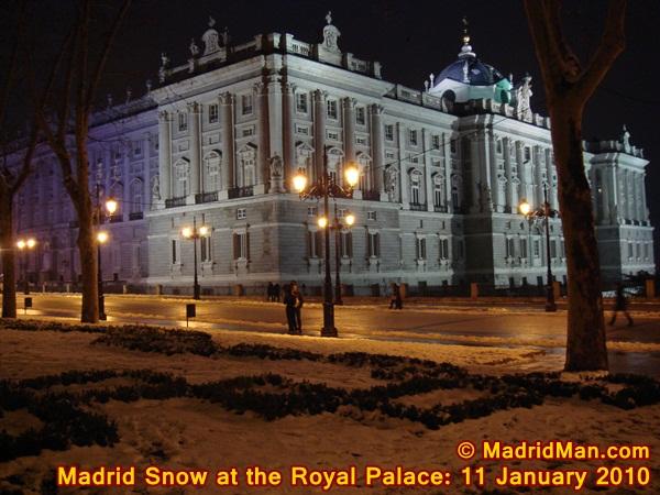 madrid-snow-royal-palace-11-january-2010.jpg